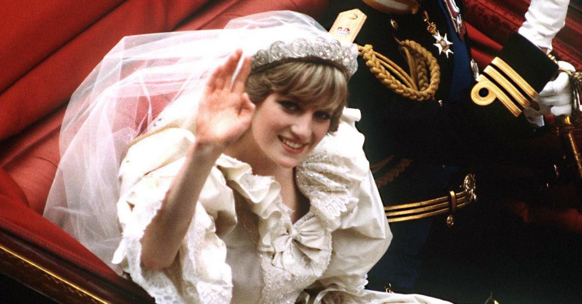 Lady Di 10 Detalhes Nunca Notados No Seu Vestido De Noiva