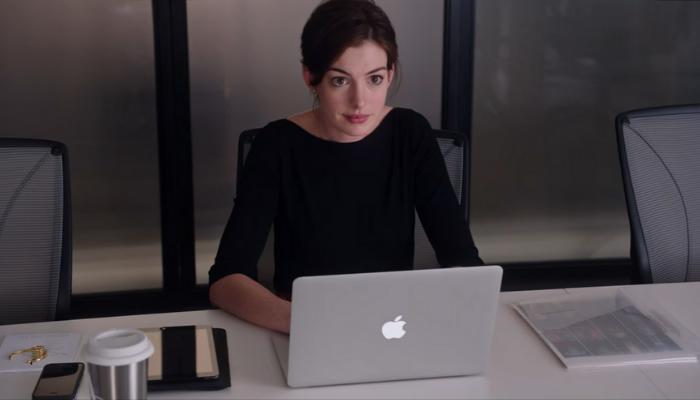 Anne Hathaway em um senhor estagiário